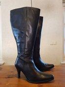 Size 39 Calf 47 Alba Black Leather