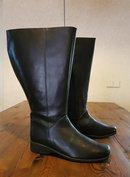 Size 40 Calf 54 Zara Black Leather