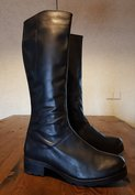 Size 41 Calf 34 Hampstead Black Leather