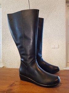 Size 39 Calf 46 Zara Black Leather