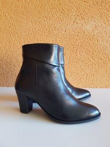 Size 37 Ankle 23 Ancona Black Leather