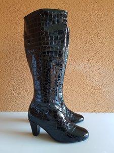 Size 40 Calf 47 Courchevel Black Croc