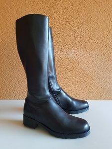 Size 38 Calf 32 Hampstead Black Leather
