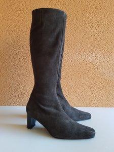 Size 38 Calf 32 Windsor Dark Brown Suede
