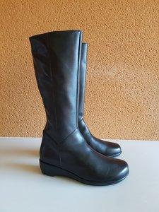 Size 38 Calf 35 Zara Black Leather