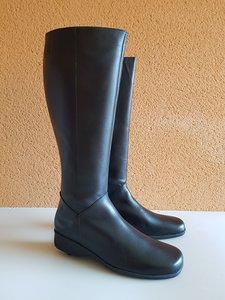 Size 41 Calf 40 Zara Black Leather