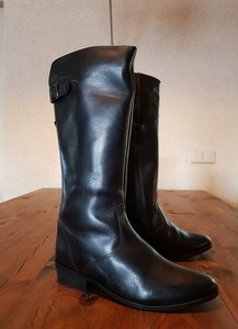 Size 37 Calf 32 Kensington Black Leather