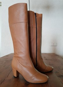 Size 38 Calf 33 Capri Tan Milled Leather