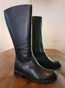 Size 38 Calf 42 Hampstead Black Leather