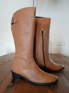 Size 38 Calf 37 Kensington Tan Milled Leather