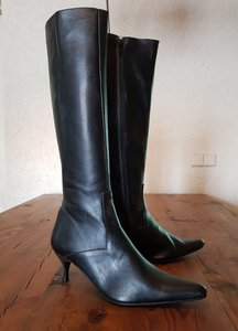Size 39 Calf 33 Kitten Black Leather