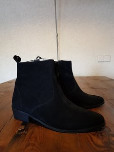 Size 39 Calf 0 Mayfair Black Suede
