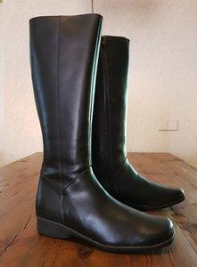 Size 41 Calf 36 Zara Black Leather