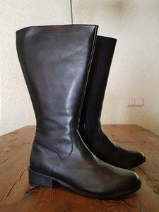 Size 42 Calf 46 Burleigh Black Leather