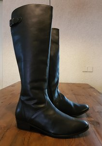 Size 43 Calf 40 Kensington Black Leather