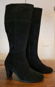 Size 37 Calf 41 Capri Black Suede