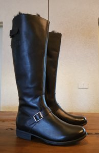 Size 38 Calf 34 Alaska Black Leather