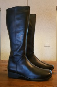 Size 41 Calf 34 Zara Black Leather