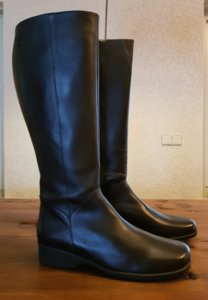Size 41 Calf 42 Zara Black Leather
